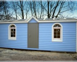 Модульный дом 7х2,3м распашонка с перегородками, козырьком и арочными окнами